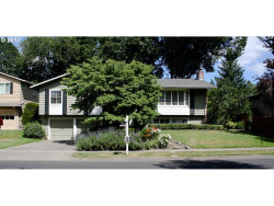 Photo of 5690 SW SPRUCE AVE, Beaverton, OR 97005 (MLS # 17617701)