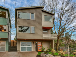 Photo of 6208 SE BELMONT ST, Portland, OR 97215 (MLS # 17626574)