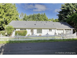 Photo of 1625 SHADOW WOOD DR, West Linn, OR 97068 (MLS # 17674591)