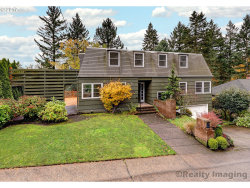 Photo of 6510 SW PARKHILL DR, Portland, OR 97239 (MLS # 17688169)