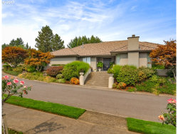 Photo of 1555 COUNTRY CMNS, Lake Oswego, OR 97034 (MLS # 17694258)