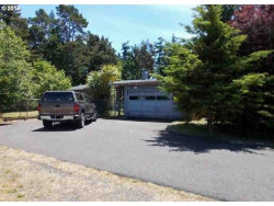 Photo of 1609 LINCOLN, North Bend, OR 97459 (MLS # 18024717)
