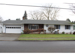 Photo of 405 W GLOUCESTER ST, Gladstone, OR 97027 (MLS # 18040210)