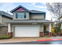 Photo of 10723 SW CANTERBURY LN , Unit 104, Tigard, OR 97224 (MLS # 18063765)