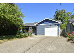 Photo of 760 LEASURE ST, Woodburn, OR 97071 (MLS # 18068371)