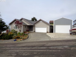 Photo of 1172 KENTUCKY AVE, Coos Bay, OR 97420 (MLS # 18083262)