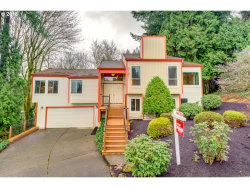 Photo of 3181 COTTONWOOD CT, West Linn, OR 97068 (MLS # 18099034)