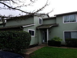 Photo of 29510 SW VOLLEY ST, Wilsonville, OR 97070 (MLS # 18104688)
