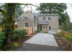 Photo of 8435 SW 11TH AVE, Portland, OR 97219 (MLS # 18104833)