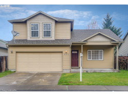 Photo of 909 NE MARINERS LOOP, Portland, OR 97211 (MLS # 18112209)