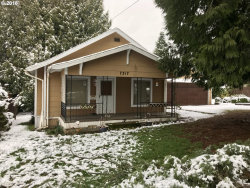 Photo of 7317 SW 32ND AVE, Portland, OR 97219 (MLS # 18114261)