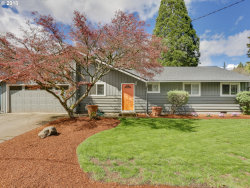Photo of 5835 CARMAN DR, Lake Oswego, OR 97035 (MLS # 18130962)