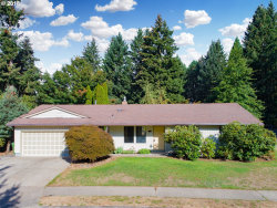 Photo of 21605 SW MARTINAZZI AVE, Tualatin, OR 97062 (MLS # 18152238)