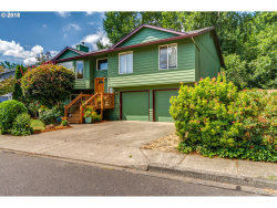 Photo of 4567 SE PENNYWOOD DR, Milwaukie, OR 97222 (MLS # 18163016)
