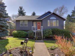 Photo of 5844 SW HUDDLESON ST, Portland, OR 97219 (MLS # 18177842)