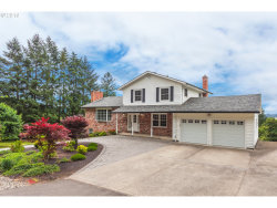Photo of 21401 S SWEETBRIAR RD, West Linn, OR 97068 (MLS # 18178487)