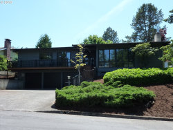Photo of 2918 SW COLLINS CT, Portland, OR 97219 (MLS # 18190566)