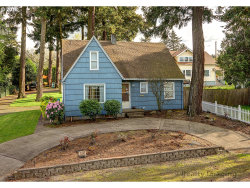 Photo of 10924 NE BEECH ST, Portland, OR 97220 (MLS # 18241860)