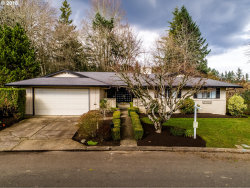 Photo of 759 TIMBERLINE DR, Lake Oswego, OR 97034 (MLS # 18273593)