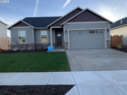 Photo of 1233 Daylily ST, Woodburn, OR 97071 (MLS # 18273667)