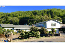 Photo of 3028 LONGWOOD DR, Reedsport, OR 97467 (MLS # 18282564)
