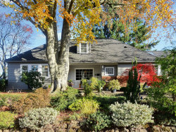 Photo of 8130 SW BURLINGAME AVE, Portland, OR 97219 (MLS # 18287921)