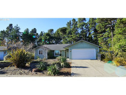 Photo of 29 PARK VILLAGE, Florence, OR 97439 (MLS # 18297892)