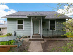 Photo of 9517 SW BOONES FERRY RD, Portland, OR 97219 (MLS # 18370100)