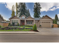 Photo of 5926 SE ROBHIL DR, Milwaukie, OR 97222 (MLS # 18380215)