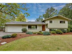 Photo of 15415 SE WOODLAND WAY, Milwaukie, OR 97267 (MLS # 18389577)