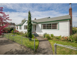 Photo of 3205 SE 28TH AVE, Portland, OR 97202 (MLS # 18391372)