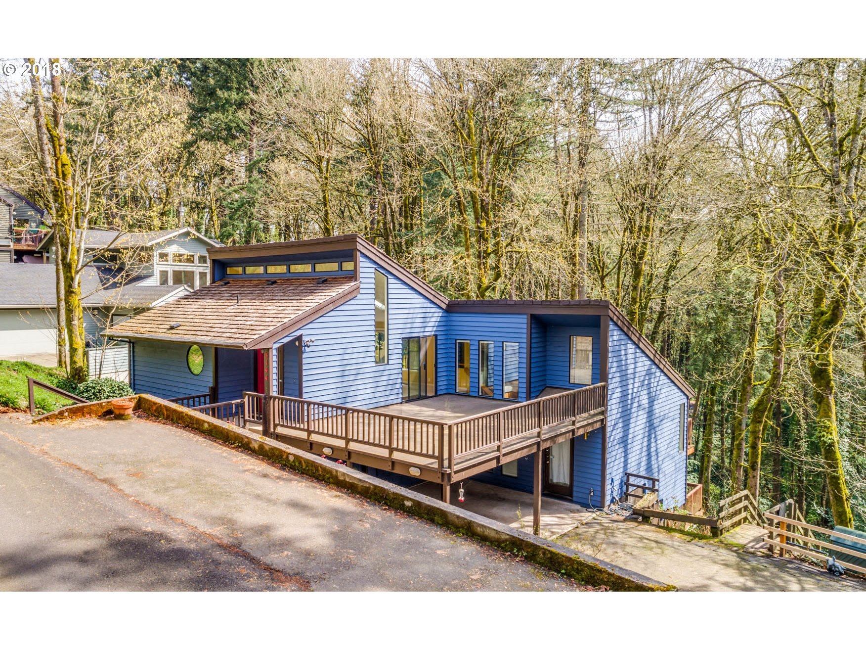Photo for 3144 SW CASCADE TER, Portland, OR 97205 (MLS # 18435193)