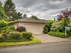 Photo of 31725 SW OLD FARM RD, Wilsonville, OR 97070 (MLS # 18457500)