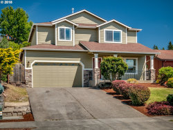 Photo of 5026 SE 140TH AVE, Portland, OR 97236 (MLS # 18481899)