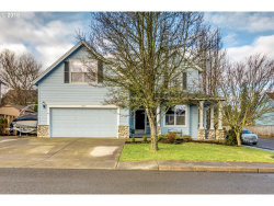 Photo of 1377 N HAWTHORNE ST, Canby, OR 97013 (MLS # 18482104)