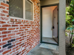 Photo of 0908 SW GAINES ST , Unit 28, Portland, OR 97239 (MLS # 18500282)