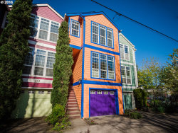 Photo of 809 SE 15TH AVE, Portland, OR 97214 (MLS # 18500640)
