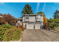 Photo of 10195 SW HIGHLAND DR, Tigard, OR 97224 (MLS # 18503632)