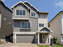 Photo of 12073 SW AUTUMN VIEW ST, Tigard, OR 97224 (MLS # 18512290)