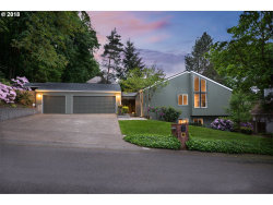 Photo of 2398 PALISADES CREST DR, Lake Oswego, OR 97034 (MLS # 18530272)