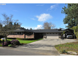 Photo of 810 NE FAIRWAY LN, Canby, OR 97013 (MLS # 18530274)