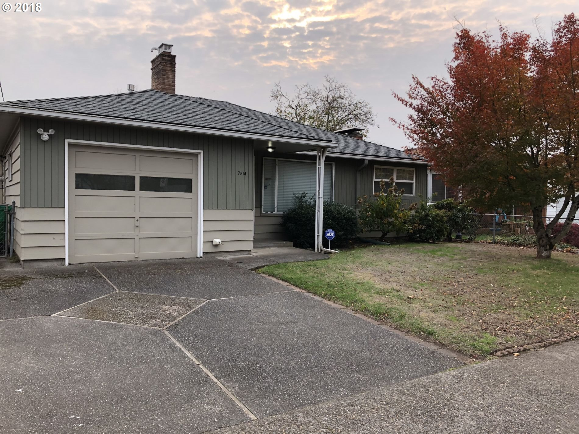 Photo for 7814 SE CENTER ST, Portland, OR 97206 (MLS # 18556676)