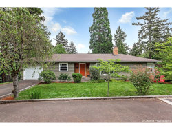 Photo of 13516 SE BEECH ST, Milwaukie, OR 97222 (MLS # 18557378)