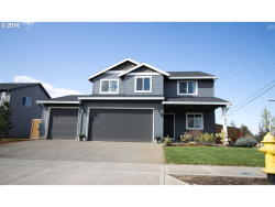 Photo of 489 TULIP AVE, Woodburn, OR 97071 (MLS # 18614550)