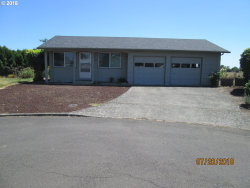 Photo of 1920 SANTIAM DR, Woodburn, OR 97071 (MLS # 18630738)