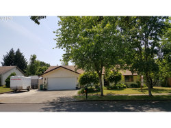 Photo of 102 E FOOTHILLS DR, Newberg, OR 97132 (MLS # 18657104)