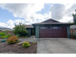 Photo of 2068 SE 55TH AVE, Hillsboro, OR 97123 (MLS # 18671708)