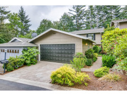 Photo of 34 WHEATHERSTONE , Unit 17, Lake Oswego, OR 97035 (MLS # 18681815)