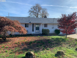 Photo of 12802 SE 25TH AVE, Milwaukie, OR 97222 (MLS # 19002314)