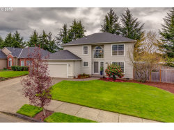 Photo of 9390 SW IBACH CT, Tualatin, OR 97062 (MLS # 19002938)
